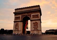 Arc de Triomphe (Gabriel Far) Tags: paris france arcdetriomphe sunset
