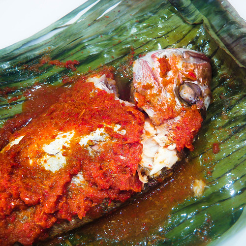 Ikan Panggang/Ikan Bakar Recipe (Grilled Fish Wrapped In Banana Leaves ...