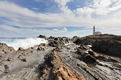 Faro de Favaritx, Menorca [Octubre 2010] (Mr.Groka (Gorka Valencia)) Tags: sea espaa lighthouse faro mar spain wave es far menorca ola favaritx olarompiendo