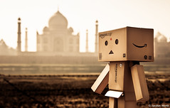 World Tour: India [EXPLORED] (CUAK! Pictures) Tags: travel india nikon tajmahal agra lorcan danbo d90 explored danboard lorcanpictures