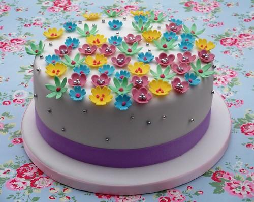 summer floral cake