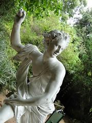El arrojo (_echoes_) Tags: sony carlos escultura estatuas lota octava carbn bobo cousio parquedelota dschx1