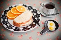 Enjoy your meal~ (fotografer_san) Tags: 50mm nikon f12 canon5dmark2
