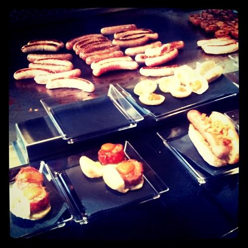 Mini hamburguesas y hot-dogs de butifarra de Hamburguesa Nostra