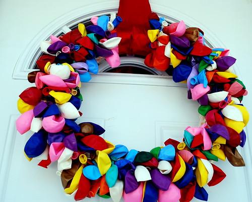 Balloon Wreath Time