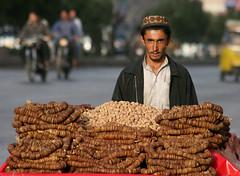 Street sellers of dried fruits (saqib_khanphoto) Tags: road pakistan men me capri who like karachi sindh driedfruit selle anjeer saqibkhan