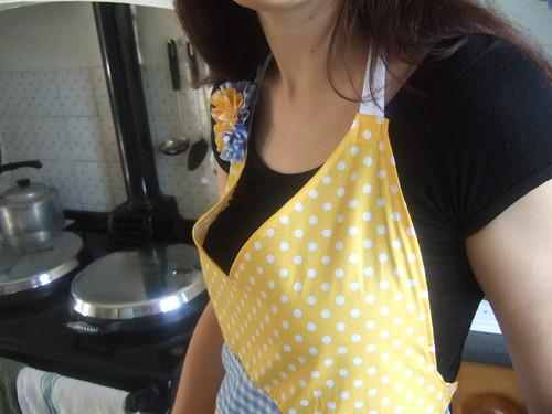 vintage apron number three:topview