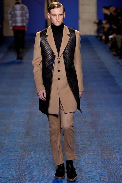 Alexander Johansson3251_FW11_Milan_Versace(VOGUEcom)
