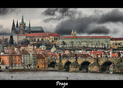 Castillo de Praga / Prague Castle (davidpuig | photography) Tags: trip travel viaje bridge castle rio canon river landscape puente 300d prague charles carlos praha praga paisaje czechrepublic vltava castillo 2007 motat greatphotographers repcheca photoshopcreativo tatot bestcapturesaoi magicunicornverybest magicunicornmasterpiece elitegalleryaoi rememberthatmomentlevel4 rememberthatmomentlevel1 rememberthatmomentlevel2 rememberthatmomentlevel3 rememberthatmomentlevel5 rememberthatmomentlevel6