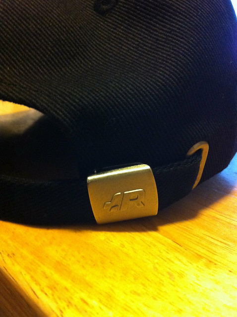 R32 hat clip