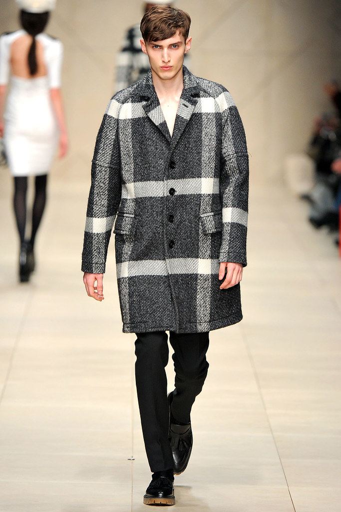 FW11_London_Burberry Prorsum Women's006_Charlie France(VOGUEcom)