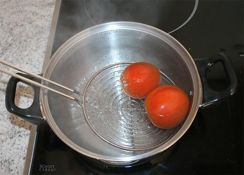 16 - kurz in kochendes Wasser tauchen