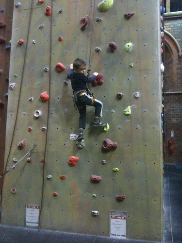 OLIVER_CLIMBING