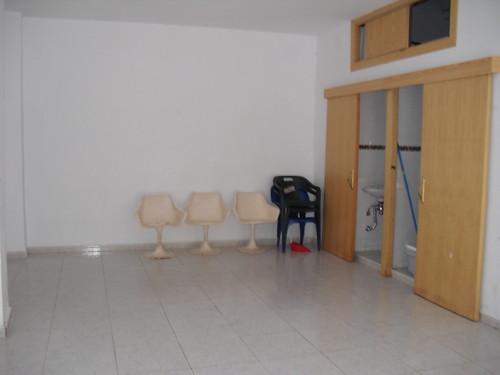 provisto de altillo. Infórmese sin compromiso en su agencia inmobiliaria Asegil. www.inmobiliariabenidorm.com