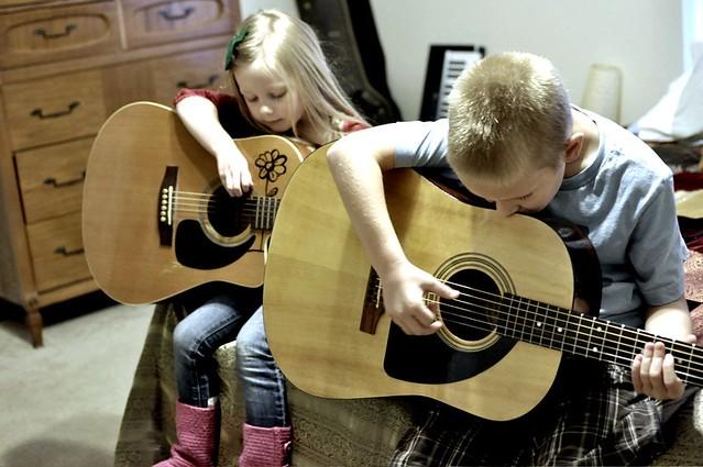 2 guitar players