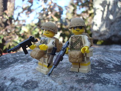 101st Airborne division - Screaming eagles (Lakuda's customs and surplus) Tags: army us war sale painted figure ww2 minifig screaming airborne eagles 101st paratrooper brickarms brickforge
