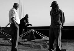 (PixFluzz) Tags: muelle fisherman dock pescador canon500d bnbw