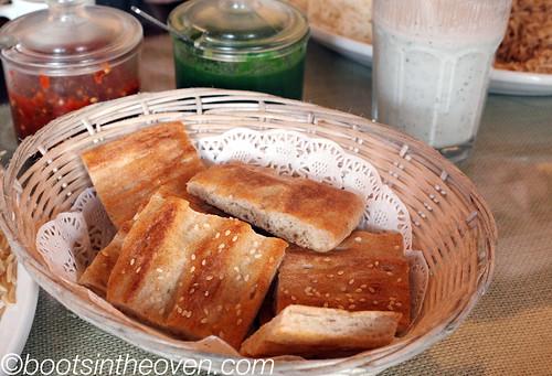 Afghan Bread (nan-e afgnani)