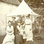 Simon Vestdijk met moeder en grootouders thumbnail