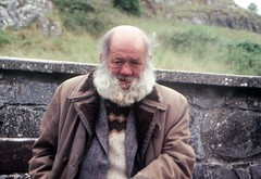 Homeless man, Rock of Cashel, Tipperary. June 1992. (shaymurphy) Tags: old ireland man rock pentax homeless slide tipperary cashel irlanda irlande irska p30t  irlandia