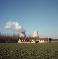 Nogent-sur-Seine (2.) Tags: plant seine nuclear mat 124g sur paysage campagne yashica centrale nuclaire nogent