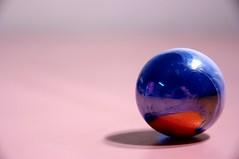 Tom Bowler (Axemaniac-Art) Tags: lighting pentax sphere round marble simple 2011 bigmomma gamewinner axemaniac gamex2winner gamex3winner axemaniac2011