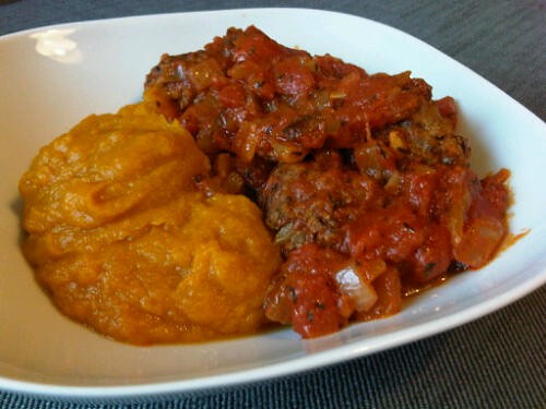 Spicy koftas with pumpkin puree