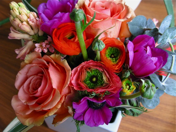 flowers ranunculus anemone rose orange pink 002