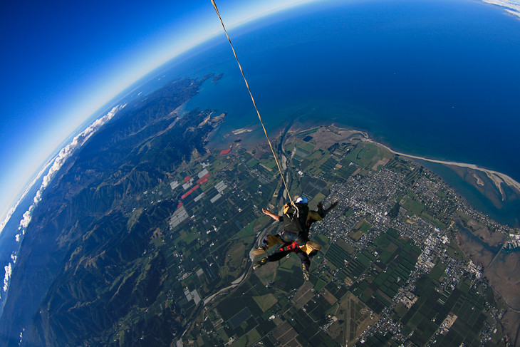 freefall skydiving in New Zealand
