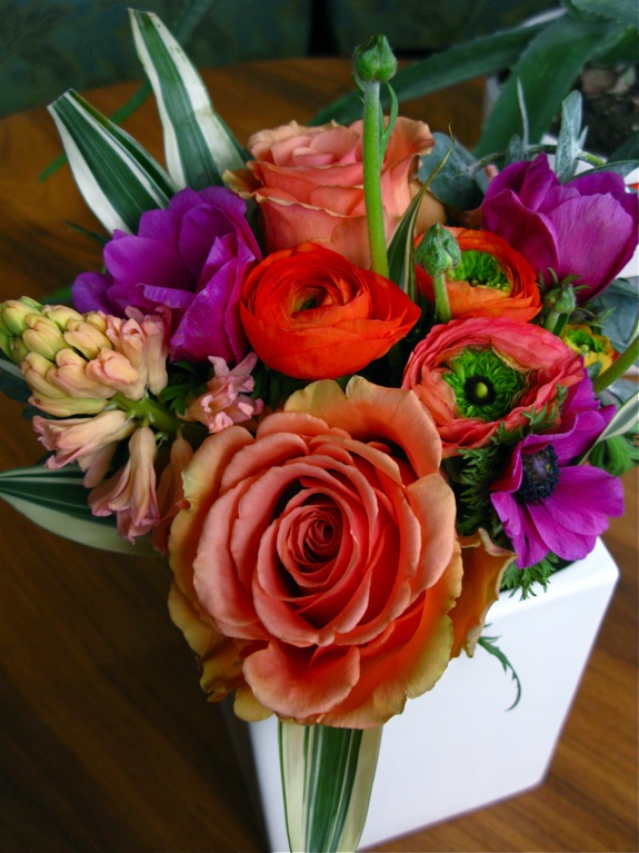flowers ranunculus anemone rose orange pink 006