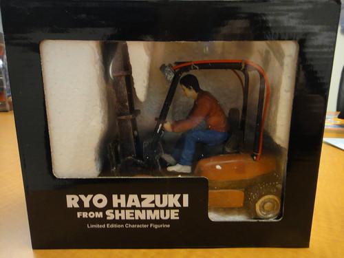 Ryo Hazuki Figurine