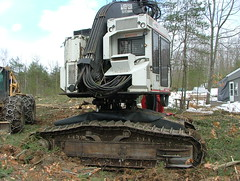 DSCF4672 (M.Bouzakine) Tags: forestry logging valmet skidder timberpro knuckleboomloader 445exl deere648g