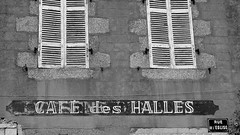Caf des Halles (patrick_milan) Tags: saint renan roof toit building immeuble window fentre architecture patrimoine pierre stone rock porte door sign affiche label saariysqualitypictures destroyed broken abandon oubli forgotten ruin ruine decay old house vieux rouille rusty wreck castel chateau