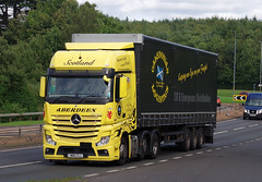 Caledonian Logistics Mercedes Actros M80CLL on the A90, Dundee, 25/9/16 (andyflyer) Tags: caledonianlogistics mercedesactros m80cll mercedes truck lorry hgv roadtransport haulage a90