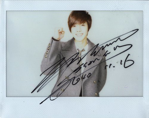 Kim Hyun Joong Highcut Polaroid Signed Photos 9