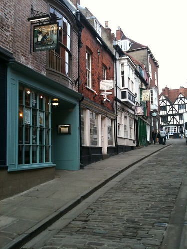 Steep Hill Lincoln (cobbled street) - outside Widow Cullen