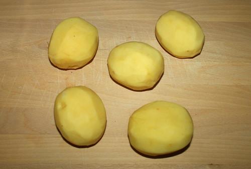 05 - Kartoffeln schälen