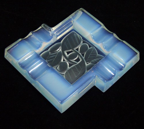 opalescent glass ashtray