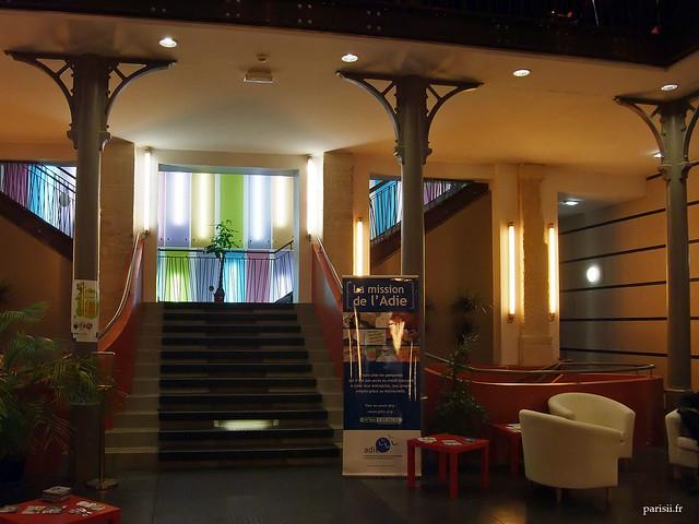 Escalier vers la mezzanine