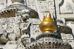 Palitana Detail (That Girl Over There) Tags: india temple worship indian religion holy jain bharat gujarat 2010 jainism palitana 2011 jainismus arihoma