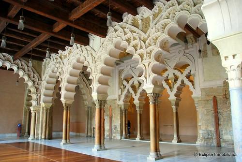 Palacio de la Aljafería, Zaragoza by Rufino Lasaosa
