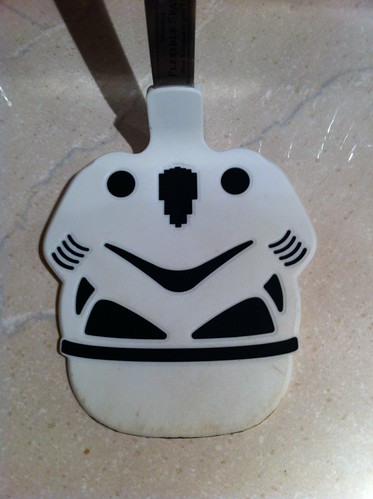 Upside-Down Storm Trooper spatula/smiley face