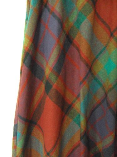Highwaisted Vintage Plaid Skirt (detail)