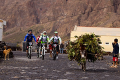 Urge Cabo Verde and Yellow riders