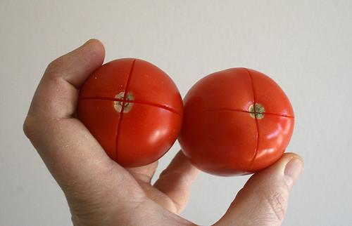 15 - Tomaten kreuzweise einschneiden