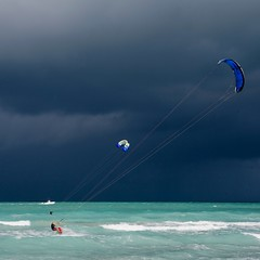 Before storm (Julio López Saguar) Tags: usa storm beach clouds unitedstates florida miami playa nubes tormenta kitesurf estadosunidos eeuu juliolópezsaguar