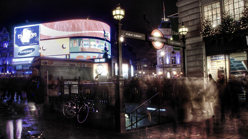 Picadilly Circus at night. London. Picadilly Circus por la noche. Londres