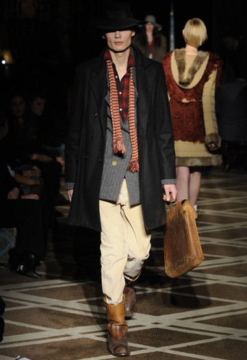 Guntars Asmanis3038_FW11_NY_What Goes Around Comes Around(WWDcom)