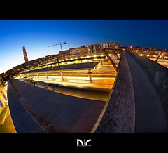 Les courbes de l'heure bleue (Coco Carrigan) Tags: blue light night canon pose long exposure tour shot gare curves trains fisheye ciel hour manual 8mm amiens nocturne dri ville lumires perret heure bleue picardie sncf blending tourperret somme passerelle longue courbes samyang 400d