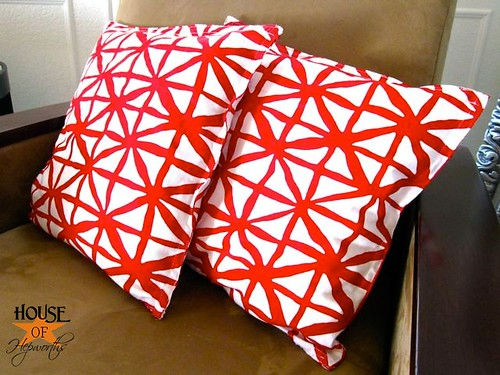 redwhitenapkinpillows09